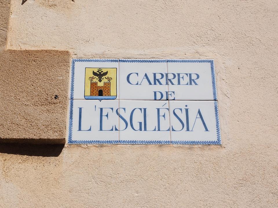 tabliczka informacyjna nazwa ulicy