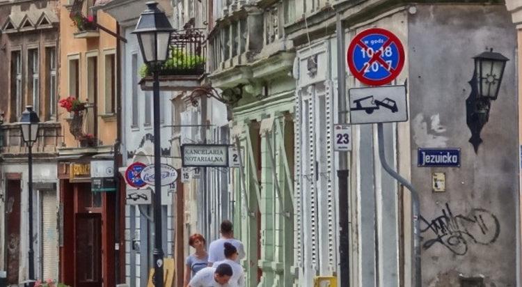 Tabliczka z nazwą ulicy